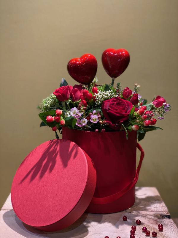 composizione rose rosse red naomi san valentino