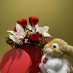 san valentino rose rosse orchidee cuori e peluche trudi